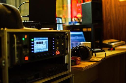 Hard- en software voor de muziekproductiesoftare